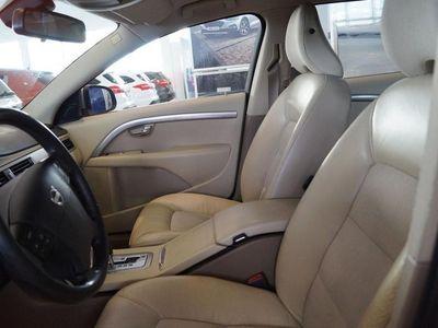 begagnad Volvo V70 2.5T 200hk Aut Momentum Kombi, Drag