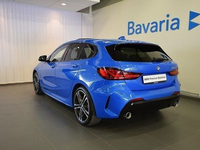 begagnad BMW 120 d xDrive M-Sport Connected Travel