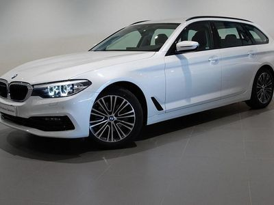 begagnad BMW 520 i Sport Line Aut Nav Läder Drag
