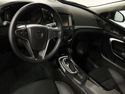 begagnad Opel Insignia Sports Tourer Business 2.0 CDTI AT6 4x4 OPC-Line