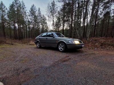 begagnad Saab 900 SE 2.0T