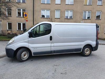 begagnad Renault Trafic 2,0 dci låga mil