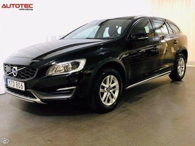 begagnad Volvo V60 CC Cross Country D3 Momentum Euro 6 150hk