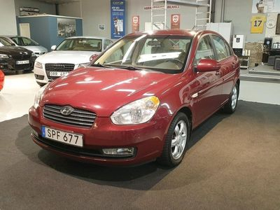 begagnad Hyundai Accent Sedan 1.6 112hk Lågmil