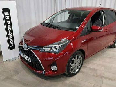 begagnad Toyota Yaris Hybrid 1.5 Intense Edition 2017, Halvkombi Pris 142 000 kr