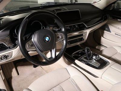 begagnad BMW 750L i xDrive / Pure Exellence / Executive Lounge / Panorama