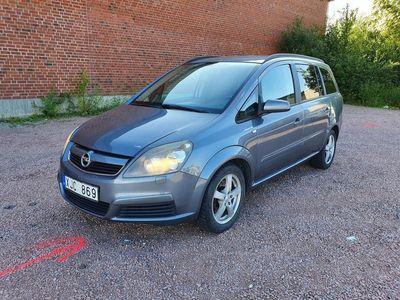 begagnad Opel Zafira 2.2 Direct 7-sits 150hk