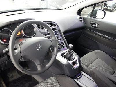 begagnad Peugeot 5008 Komfort 1,6 HDI 112hk 7-Sits