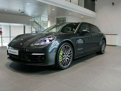 begagnad Porsche Panamera 4S E-Hybrid Sport Turismo 560 HK