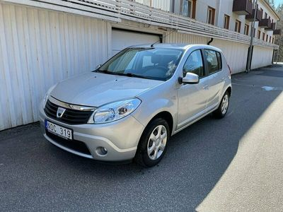 begagnad Dacia Sandero 1.6 105hk / v-hjul