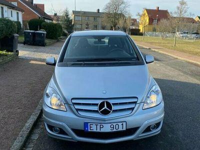 begagnad Mercedes B180 245