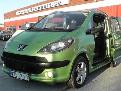 begagnad Peugeot 1007 1.6 Aut Sport 109hk Eldörrar 12000 Mil
