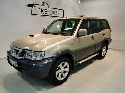 begagnad Nissan Terrano II 3.0 Di 4WD 7-sits Dragvikt 3000Kg *Nybes