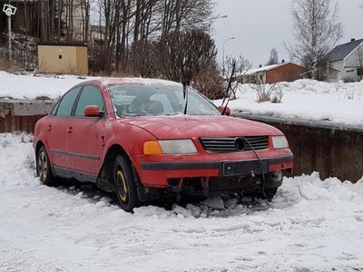 gebraucht VW Passat 1.6 reservdelsbil -97