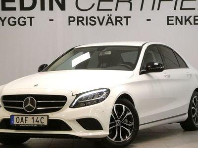 begagnad Mercedes C200 - Benzd Sedan Avantgarde / / Drag / / Backkamera / /
