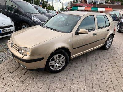 begagnad VW Golf 5-dörrar 1.6 Comfort, Ocean 105hk