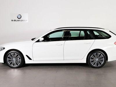 begagnad BMW 530 i xDrive Touring / Sport Line / Connected / Comfort / Drag /
