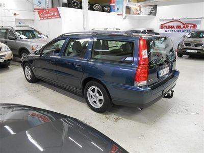 begagnad Volvo V70 NY BES NY SERVAD DRAG