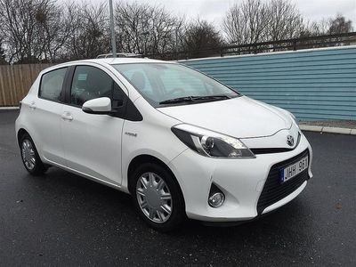 begagnad Toyota Yaris 1.5HSD HYBRID AUT ACTIVE 2-ÅRS GARANTI
