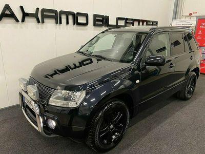 "begagnad Suzuki Grand Vitara 2.0 4WD Automat 140Hk""Black Edition""Drag"