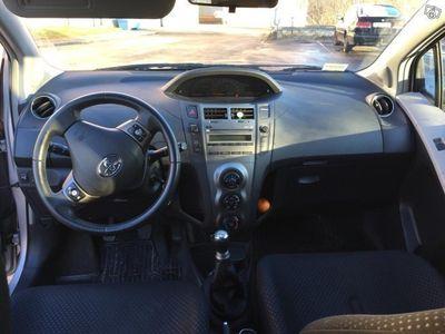 begagnad Toyota Yaris 1.0 5d (69hk) -11