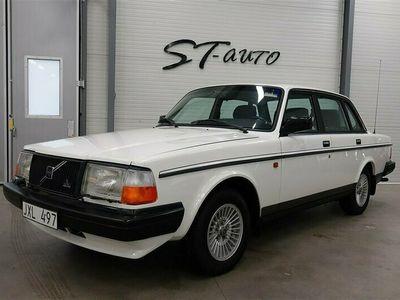 begagnad Volvo 240 2.3 GLT Låga mil 116hk
