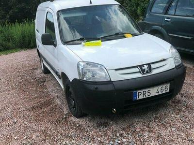 begagnad Peugeot Partner SKÅP 1,6