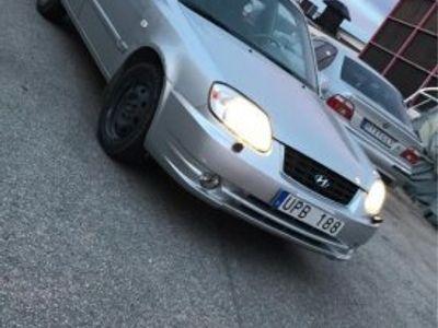 begagnad Hyundai Accent 1.6 lågmil -04