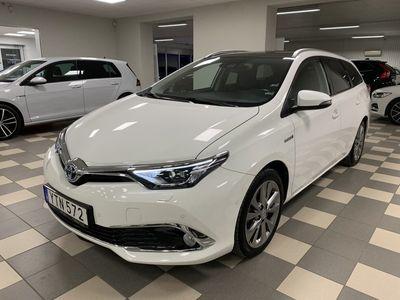begagnad Toyota Auris Touring Sports Hybrid Executive Panorama 1.8 Navi drag