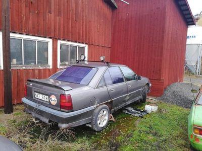 begagnad Opel Omega 3000 12v