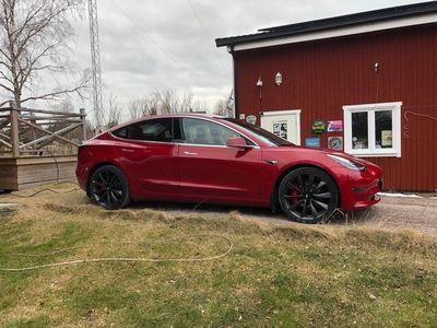 begagnad Tesla Model 3 Performance 5495:- / mån