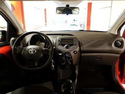 begagnad Toyota Aygo 1,0 (69HK) AC NYA MOD TKG
