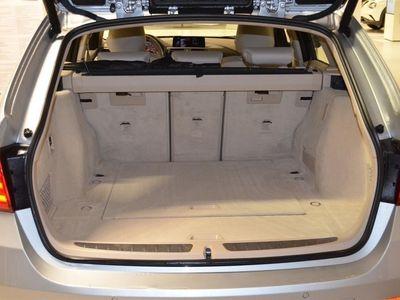 begagnad BMW 320 d Touring Aut Värmare Drag
