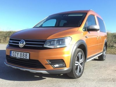 begagnad VW Caddy ALLTRACK life MPV 2.0 TDI 4Motion (122hk)