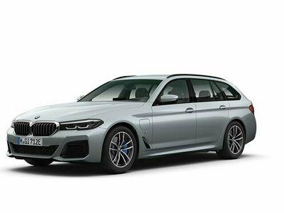 begagnad BMW 530 e xDrive Touring M sport Drag Komfortöppning HiFi