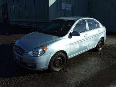 begagnad Hyundai Accent Sedan 1.6 112hk lågamil -06