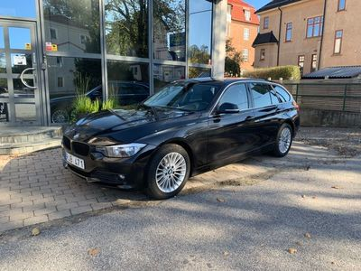 begagnad BMW 320 d Touring Luxury Line 184hk