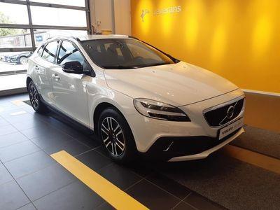 begagnad Volvo V40 CC D3 Business Advanced Garanti 24 månader (Utrustad med bl.a. Fast dragkrok, Klimatpaket on call)
