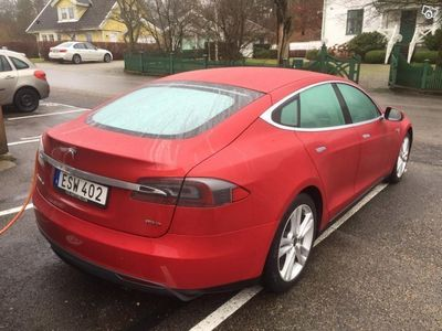 begagnad Tesla Model S 85D -15