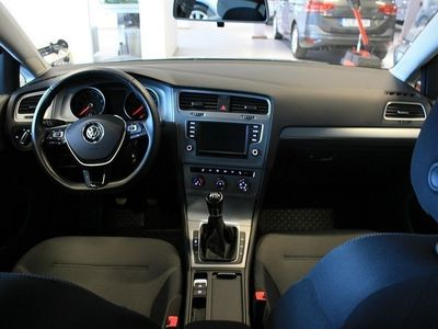 begagnad VW Golf 1,2 TSI 110 MASTERS -16
