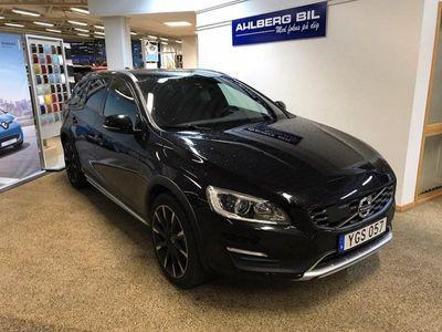 begagnad Volvo V60 CC D4 Business Adv Summum 2017, Kombi 289 500 kr