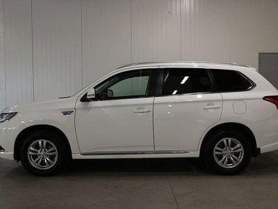 begagnad Mitsubishi Outlander P-HEV 2.0 Hybrid 4WD CVT. 203hk Skinn