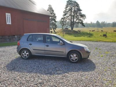 begagnad VW Golf 1,6 5-dörrar
