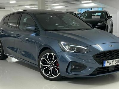 begagnad Ford Focus ST-Line Connected 125hk B&O panorama