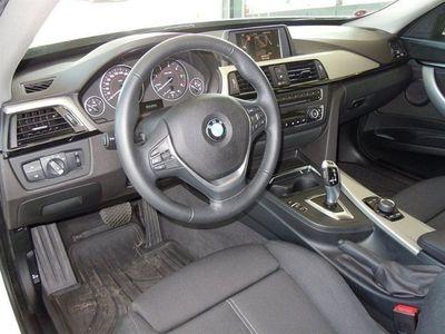 begagnad BMW 320 Gran Turismo d xDrive Modell Sport Automat