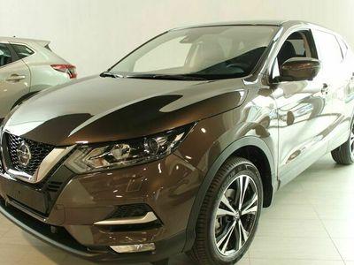 begagnad Nissan Qashqai DIG - T 160 ACENTA 2WD DCT MY21 / Servideavtal / V - hjul