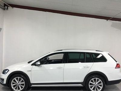 begagnad VW Golf Alltrack 2.0 TDI 4Motion Aut Premium 2016, Personbil 159 900 kr