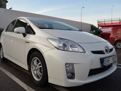 begagnad Toyota Prius XENON NAVI 1 ÅRS GARANTI