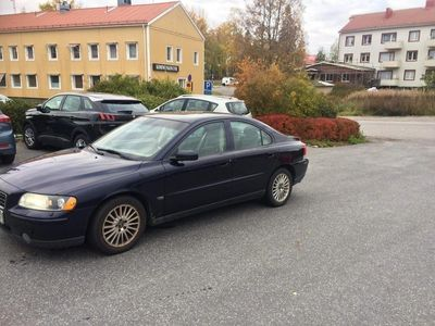 begagnad Volvo S60 2,5 turbo AWD välhållen
