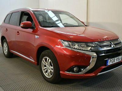 begagnad Mitsubishi Outlander P-HEV 2.0 Ladd 4WD Vhjul Drag Garanti